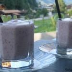 Koktajl jogurtowy z gruszką i poziomkami