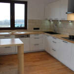 Biała kuchnia w drewnie – spełnione marzenie