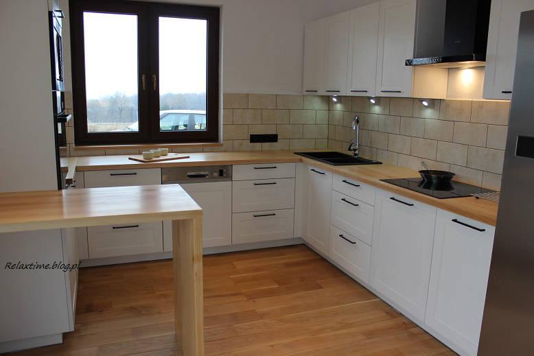 Biała kuchnia w drewnie – spełnione marzenie  Relaxtime -> Castorama Kuchnia City Biala