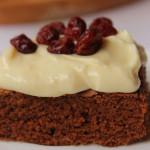 Brownie z kremem cytrynowym i żurawiną