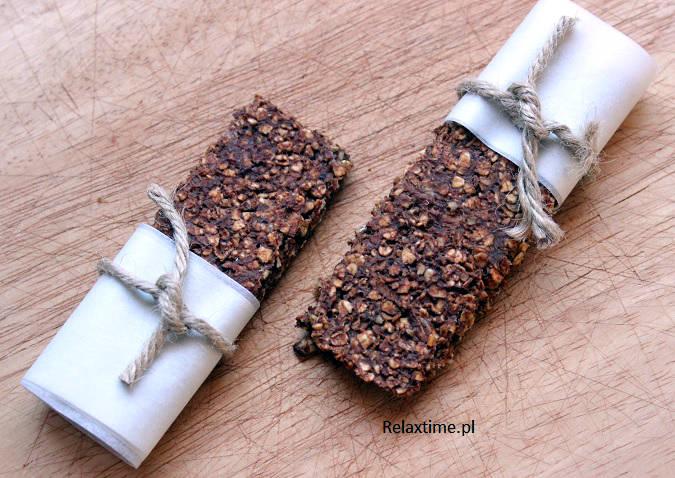 Batoniki energetyczne z bananem i czekoladą