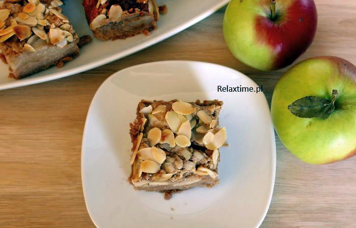 Jabłka + chałwa + płatki migdałowe = ciasto idealne do kawy