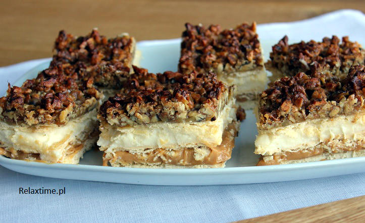 Ciasto orzechoowo - miodowe = miodownik z orzechami