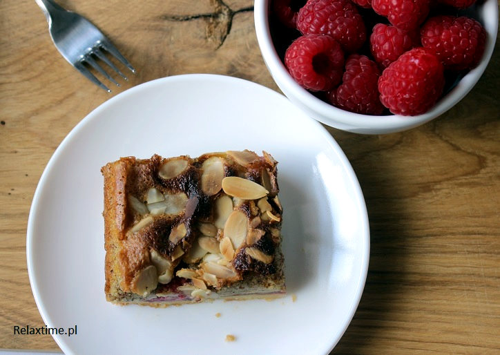 Ciasto kruche + maliny + krem migdałowy = tarta idealna