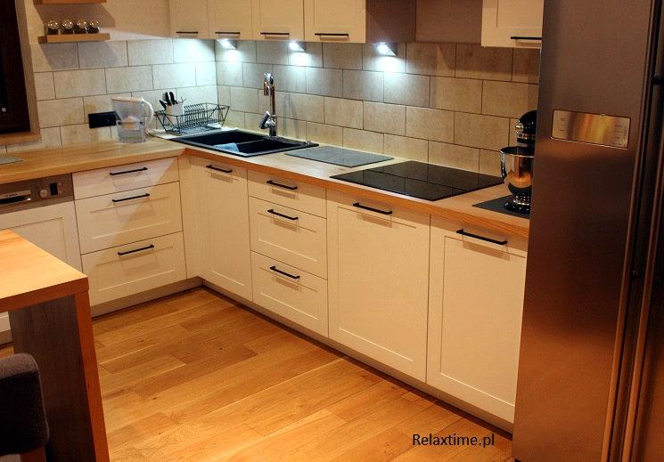 kuchnia-z-drewniana-podloga