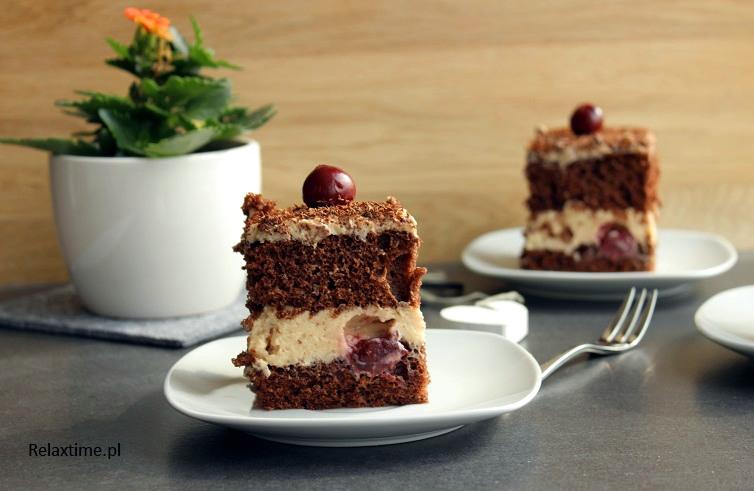 Ciasto z chałwą i wiśniami