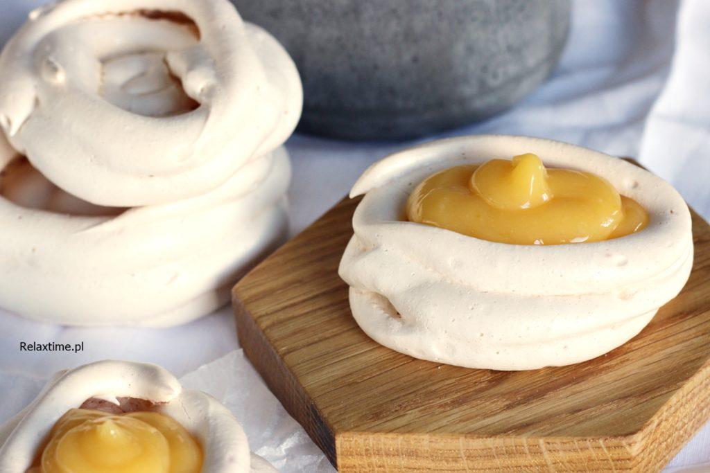 bezy z lemon curd