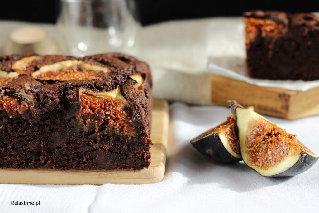 Wilgotne ciasto czekoladowe z figami